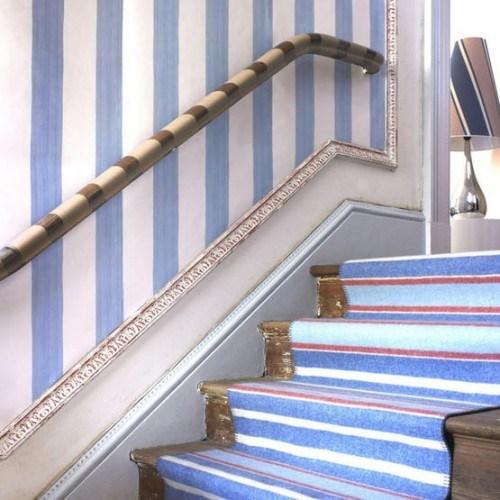 schöner Treppen-Vorleger blaue Farbe