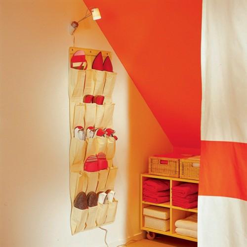 schlafzimmer im dachgeschoss vorschlag f r kompakten. Black Bedroom Furniture Sets. Home Design Ideas