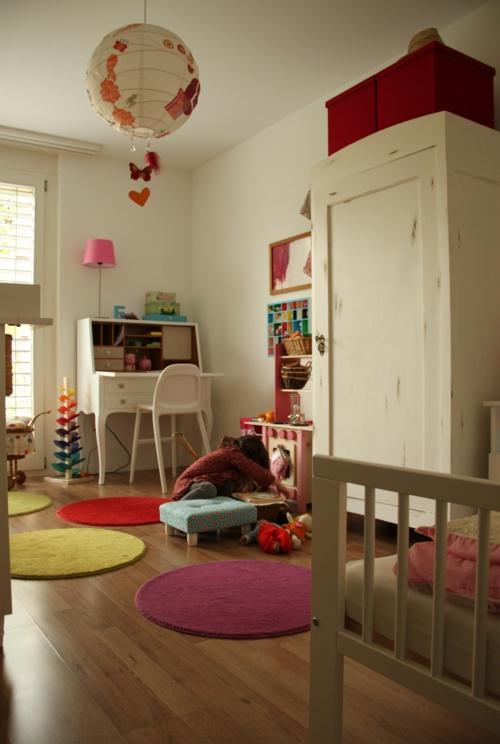 Mädchen Schlafzimmer im Shabby-Chic-Stil stil alter schrank