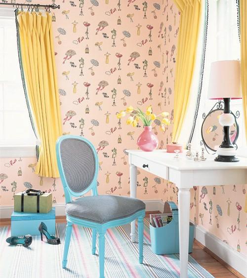 schminktisch blau farben gelb blassrosa tapeten verspielt gardinene stuhl französisch
