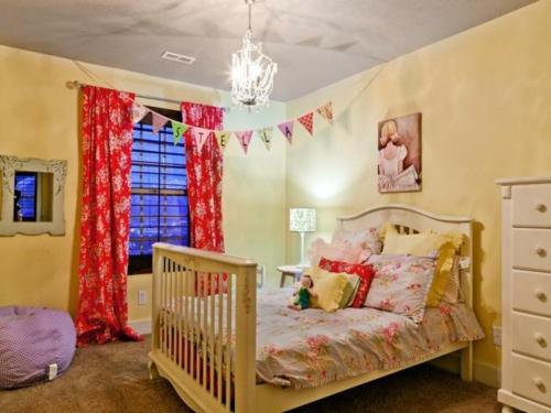 Mädchen Schlafzimmer im Shabby-Chic-Stil großes bett mädchenkammer