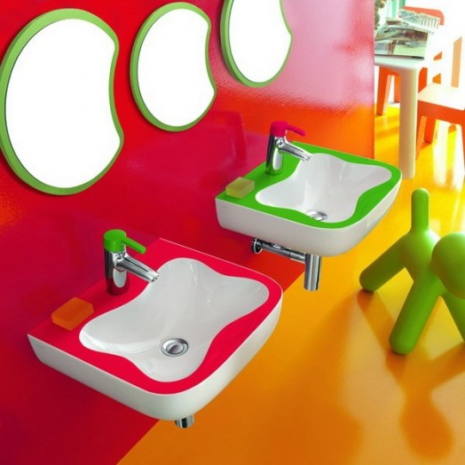 erstaunliche kinder badezimmer interieurs von laufen. Black Bedroom Furniture Sets. Home Design Ideas