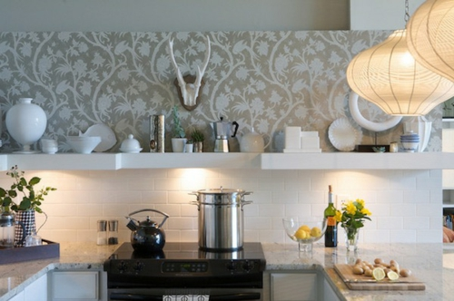 stilvoll weiß küche fliesenspiegel kochen tapeten idee