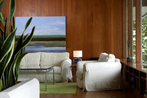 stilvolle wanddekoration aus echtholz lackiert wohnzimmer weiß ledersofa