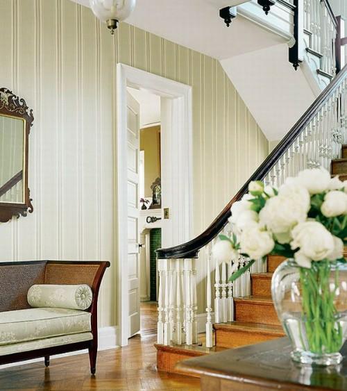treppenhaus idee couch wandspiegel französischer stil rustikal haus