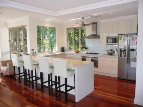 u-förmig küche glanzvoll küchenstühle holz dunkel bodenbelag