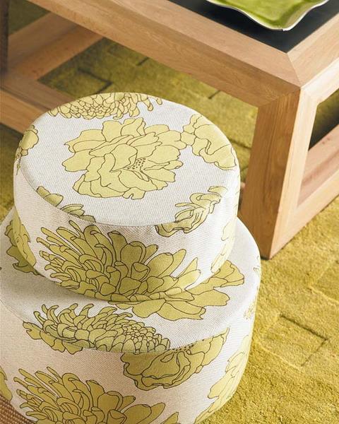 unterschiedlichen Stoffen Grüne Sommerwiese Wohnzimmer Hocker Kaffeetisch Teppich