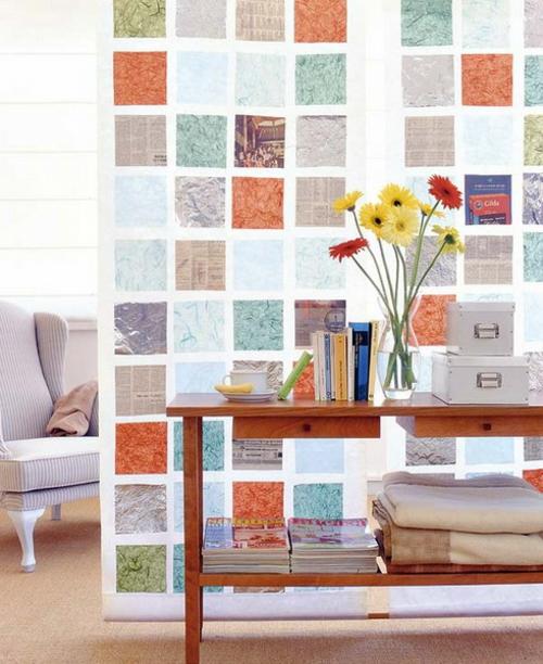 wanddekoration mit quadraten farbenfroh glas trennwand wohnbereich
