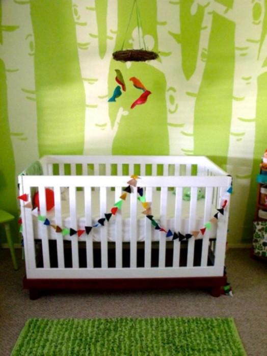wandtatto natur akzente grün farbe kinderzimmer babybett
