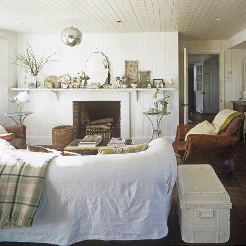 weiß ausgestattetes schlafzimmer spiegelkugel idee modernes Interieur mit Discokugeln