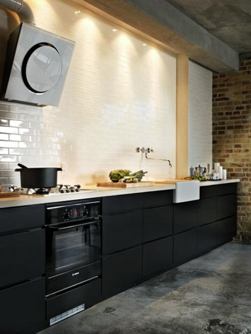Kreative k chenspiegel ideen 30 coole vorschl ge f r jede k che - Zwarte houten keuken ...