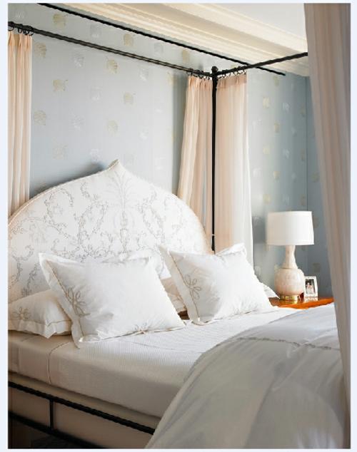 weiße decken kissen himmelbett romantisch schmafzimmer