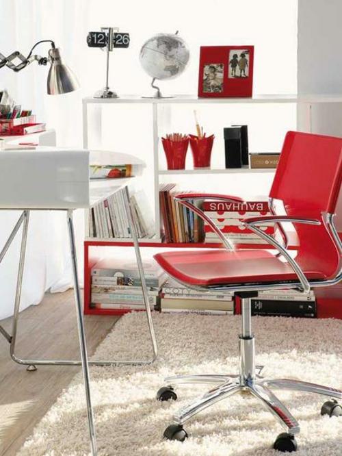 weich teppich rot stuhl heimbüro gemütlich bequem originell ausgestattet