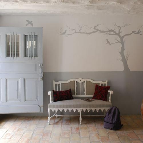 Gem tliches l ndliches design im flur in einer - Wandgestaltung weiay ...