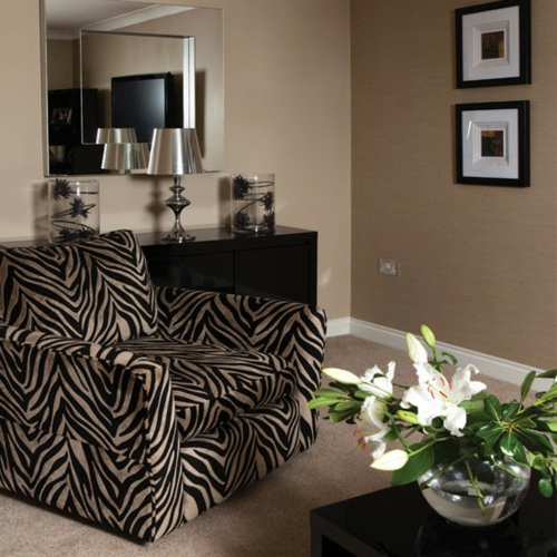 20 ideen f r ein stilvolles zebrastreifen design. Black Bedroom Furniture Sets. Home Design Ideas