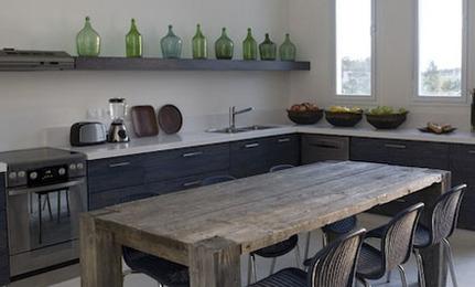 küche und gemütlicher erker mit esstisch - bild von helvetia
