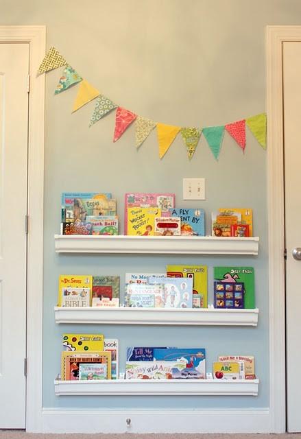 Bücherregal kinderzimmer wand  21 coole Ideen für die Organisation von Kinderbüchereien