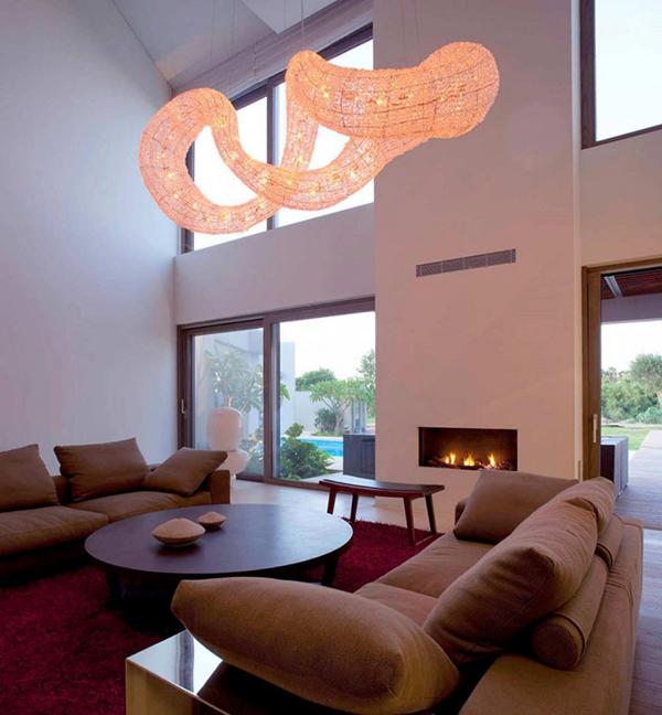 effektvolles h ngelicht im wohnzimmer interieur. Black Bedroom Furniture Sets. Home Design Ideas