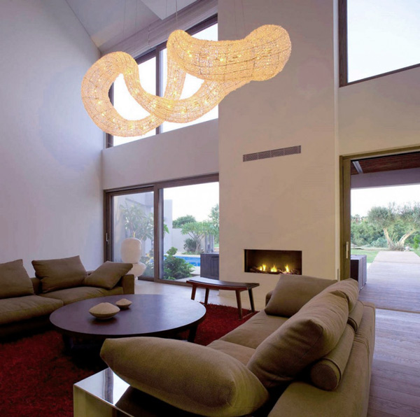 Effektvolles Hängelicht Im Wohnzimmer Interieur | Wohnzimmer Ideen ...
