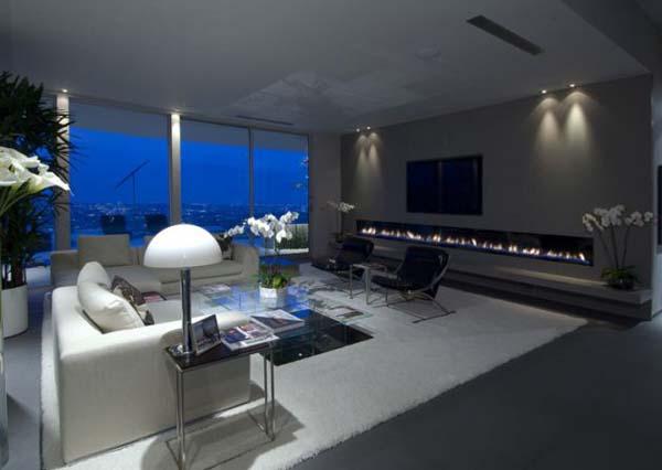 Ergreifende Wohnzimmer Ausblick Kamin Sofa TV
