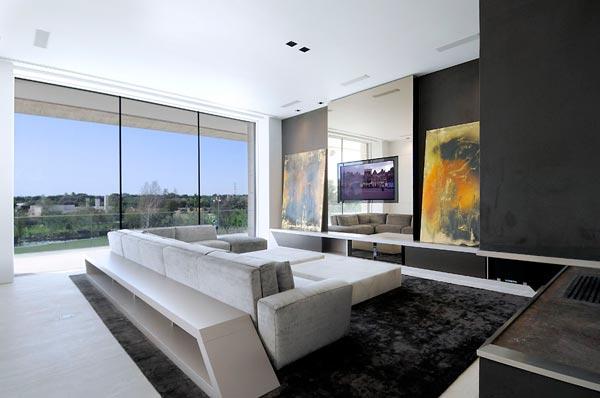 Ergreifende durchgehende Wohnzimmer Ausblick minimalistisches Sofa