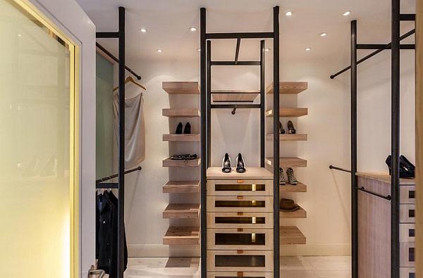 Fantastische Maisonette Stockholm-Gamla Stan moderner Kleiderschrank