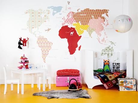 farbenfrohe wandaufkleber f r kartenzeichnungen im kinderzimmer. Black Bedroom Furniture Sets. Home Design Ideas