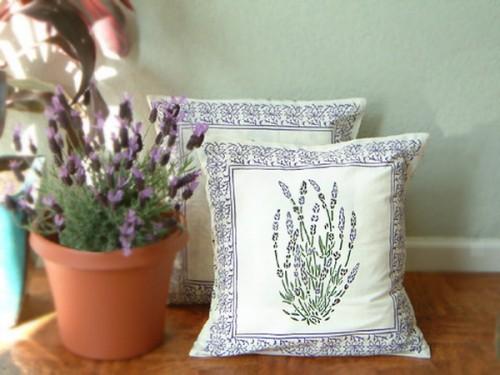 25 ideen zur hausdekoration mit lavendel. Black Bedroom Furniture Sets. Home Design Ideas