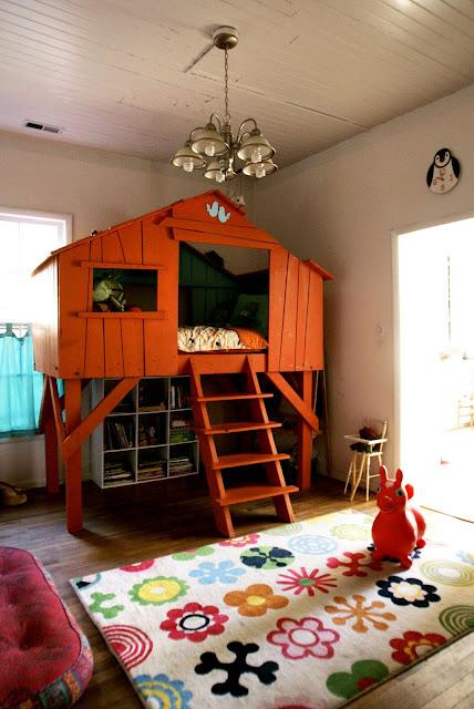 Indoor Baumhäuser coole Ideen Kinder buntes Interieur
