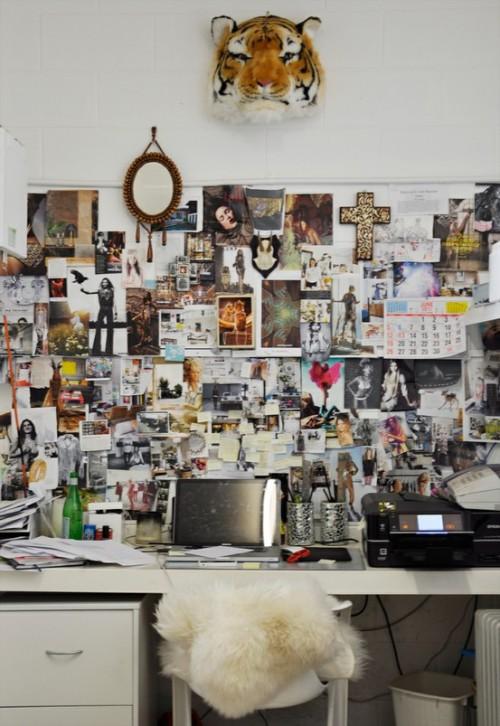 Inspirationen zur Wanddekoration Arbeitsplatz Stuhl Spiegel Bilder