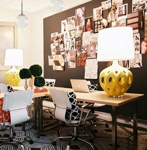 Inspirationen zur Wanddekoration Büro Arbeitsplatz Stühle