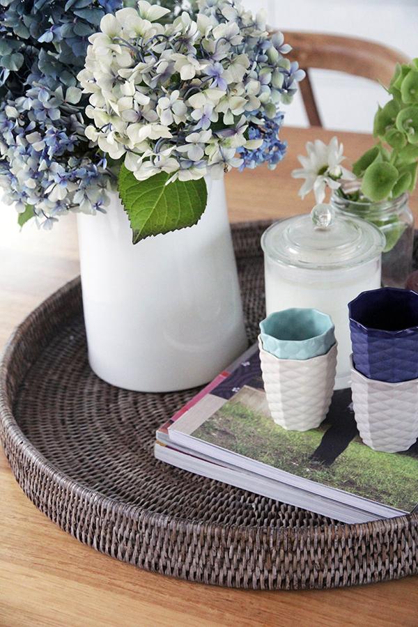 Moderne warme Villa Innenausstattung Blumen Vase