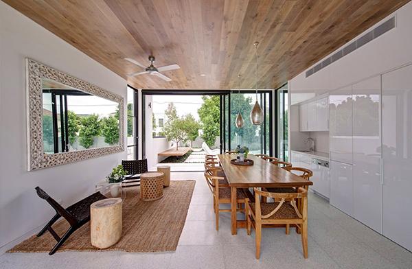 Moderne warme Villa Esszimmer Interieur Design