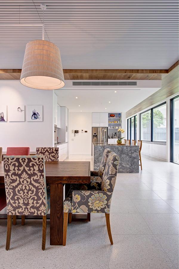 Moderne warme Villa großartiges Esszimmer
