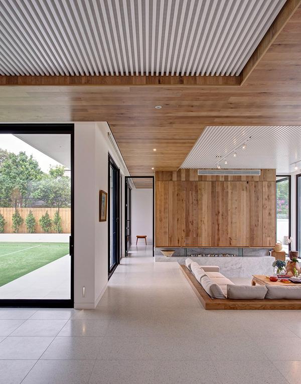 Moderne warme Villa minimalistisches Wohnzimmer