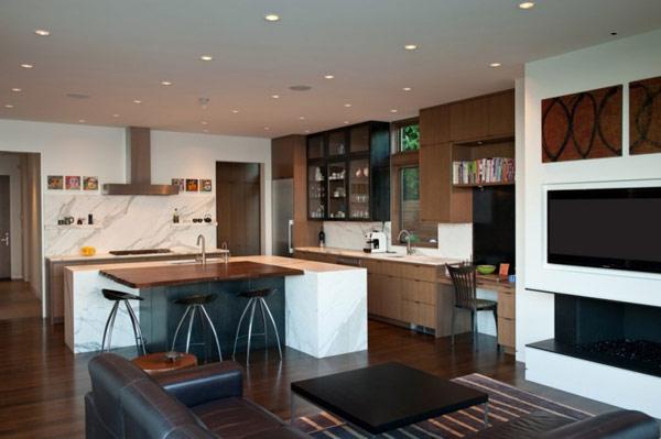 küche und wohnzimmer zusammen : Modernes Haus an einem See in ...