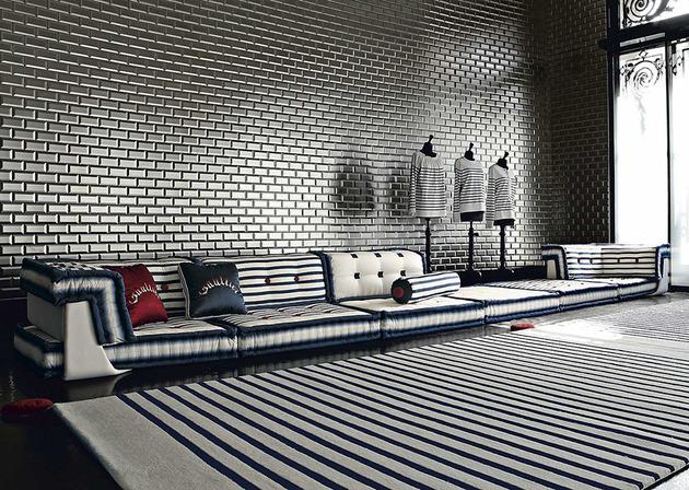 Nautisches Wohnzimmer Roche Bobois Sofa Teppich