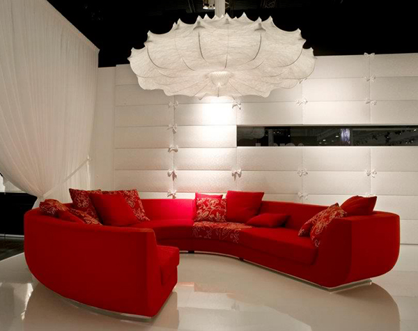 rote sofas im wohnzimmer von marcel wanders. Black Bedroom Furniture Sets. Home Design Ideas