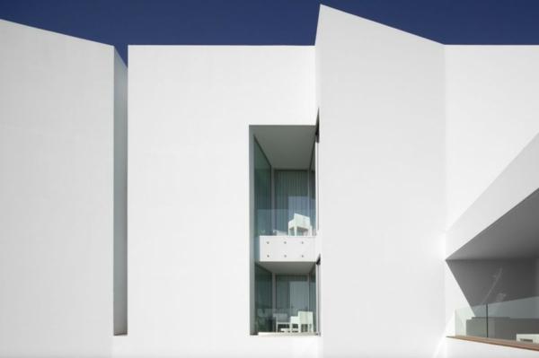 Bom Sucesso Hotel risco balkon außenwand weiß