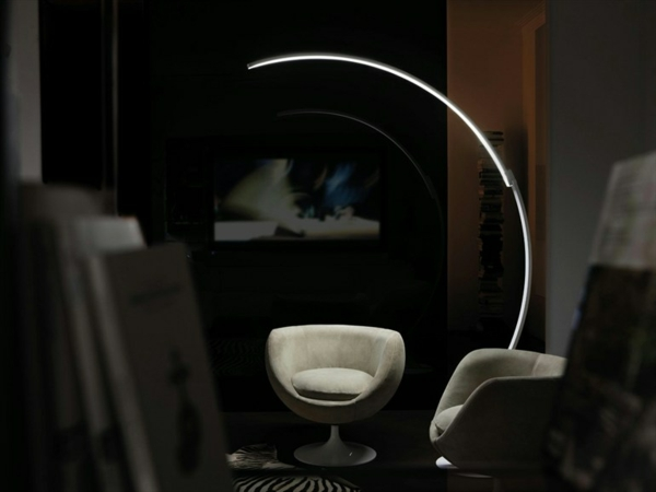 originelle designer stehlampen von kundalini. Black Bedroom Furniture Sets. Home Design Ideas