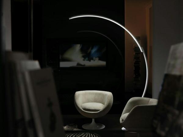 originelle designer stehlampen von kundalini. Black Bedroom Furniture Sets. Home Design Ideas