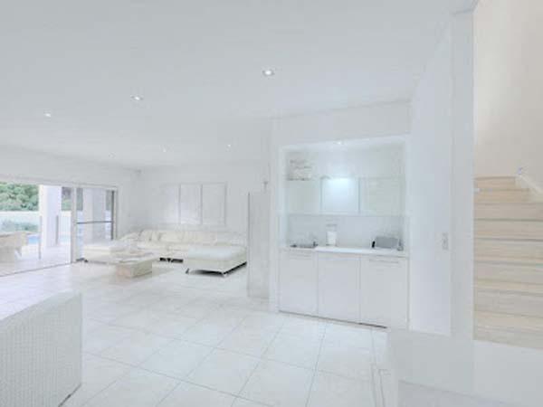 wohnzimmer helle fliesen:White Interior Design