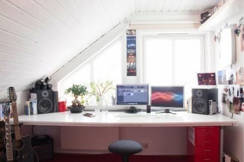 büro im dachgescoss weiß fenster bequem praktisch