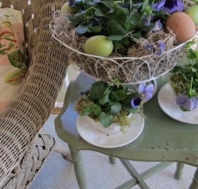 26 coole veranda deko ideen zu ostern wundersch ne tipps for Deko beistelltisch