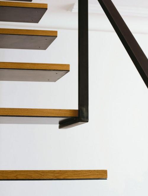 bibliothek im treppenhaus idee konstruktion