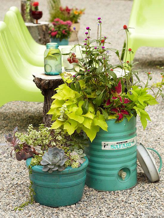 blumenbehälter interessant idee gebraucht alt container farbe