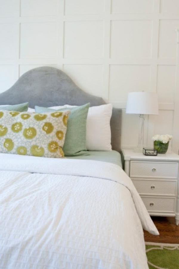 deko schlafzimmer weiß farbig kissen