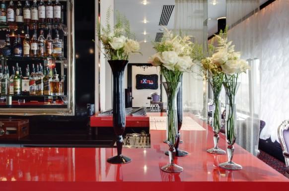 Interieur designs im restaurant 22 inspirierende ideen for Design bartheke