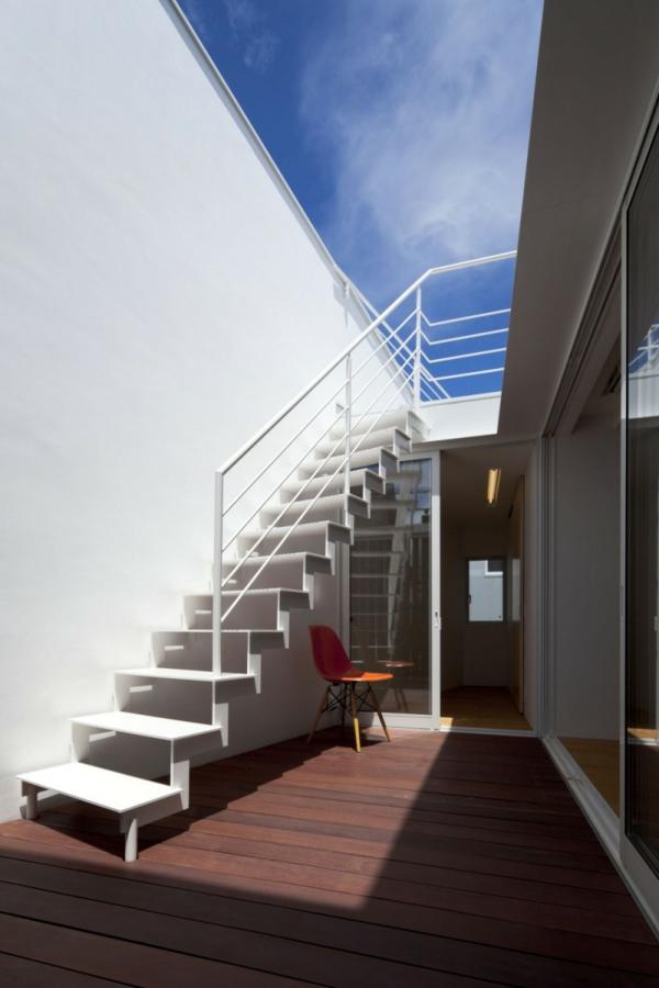 doppelte-megaphone-architektur-treppe