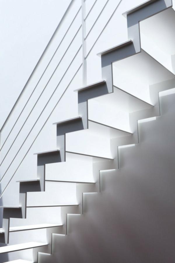 paarige megaphone architektur treppenhaus